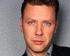 Klicka för att läsa 'Tydligt samband mellan klamydia och Mikael Persbrandt'